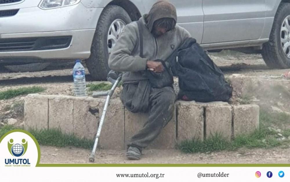 Umut Ol İnsani Yardım Derneği Suriye'li evsiz Hammadi'ye yardım elini uzattı.